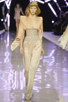 "Alexander McQueen SPRING/SUMMER 2008 READY-TO-WEAR ""La Dame Bleue"""