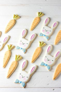 Easter bunny cookies colored with natural food coloring powders by ColorKitchen.