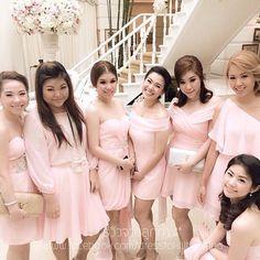 ทักทายเช้าวันอังคารด้วยรูปสาวสวยๆ กับชุดสวยสีชมพูหวานค่ะ ขอบคุณสำหรับรูปรีวิวนะคะ ^^ สนใจสอบถามหรือสั่งซื้อได้ที่ Line: dtkshop หรือเข้าไปที่หน้าร้าน dresstokill at terminal 21 ยินดีให้บริการค่า #dresstokillshop_review #review