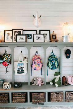 80 Modern Farmhouse Mudroom Entryway Ideas - Decorating Ideas - Home Decor Ideas and Tips House Design, Stylish Organizing, Decor, Eclectic Farmhouse, Farmhouse Mudroom, Home, Interior, Home Diy, Home Decor