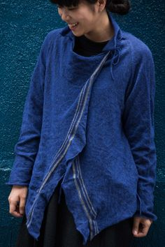 Jacket wool, metal fiber June 2015 Photograph by Yuriko Takagi Indigo, Japanese Fashion, Jeans Style, Sustainable Fashion, Beautiful Outfits, Work Wear, Knitwear, My Style, Casual