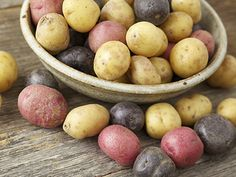 Starchy Vegetables: How Food Affects Health potato al horno asadas fritas recetas diet diet plan diet recipes recipes Small Potatoes Recipe, Oven Roasted Baby Potatoes, Potatoes In Oven, Greek Potatoes, White Potatoes, Greek Potato Salads, Baby Potato Recipes, Healthy Recipes, Foods
