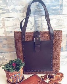 Those who create are rare; those who cannot are numerous. Therefore, the latter are stronger. Tote Tutorial, Tote Pattern, Shopping Bags, Shopper Bag, Carrie Bradshaw, Handmade Bags, Coco Chanel, Crochet Patterns, Handbags