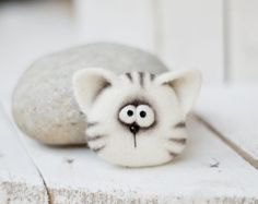 Brooch - Jewelry - Felt - Needle felting - Felt brooch - Felted animals - women jewelry - childrens gifts - gift for her - animal brooch