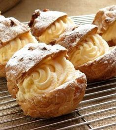 This cream puff recipe is made with choux pastry and filled with vanilla pastry cream. Make frozen cream puffs and fill them with vanilla ice cream. Italian Pastries, Italian Desserts, Just Desserts, Delicious Desserts, Dessert Recipes, Soup Recipes, Italian Cookies, French Desserts, Dessert Food