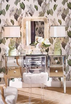 8 idées déco pour une touche glamour dans le bureau   www.decocrush.fr #desk #homeoffice #glass #silver #gold