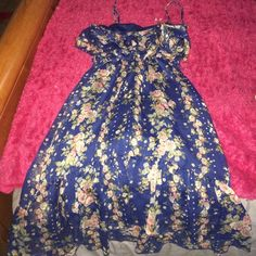 Floral rue 21 dress One strap needs to be sewed back on Rue 21 Dresses
