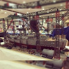 Wow!!!! Dry dock diorama. Unknown scale and modeler #scalemodel #plastimodelismo #miniatura #miniatur #miniature #maqueta #maquette #modelismo #plastickits #usinadoskits #udk