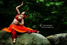 Photography by Visithra - v-eyez.blogspot.com - V-Eyez Imagery on Facebook www.facebook.com/... #dance #dancer #indian #bharatanatyam #kuala lumpur #international #malaysia #photography #visithra #v-eyez imagery Muse, Dancer, Celebrities, Photography, Celebs, Photograph, Dancers, Fotografie, Photoshoot