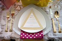 It's All in the (Geometric) Details #geometric place setting
