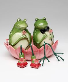 I feel like I NEED this for my kitchen!  Frogs Three-Piece Salt & Pepper Shakers Set #zulily #zulilyfinds