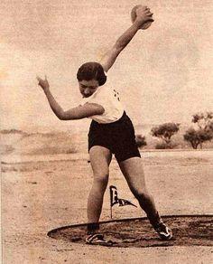 Margot Moles: mujeres olvidadas en la historia, Ignacio Ramos, Olimpíadas Obreras de Amberes 1937, Segunda República, Fernando Carreño