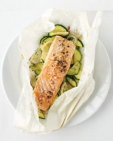Salmon and zucchini in parchment
