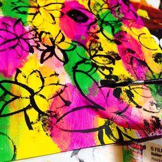Colora seus dias. Deixe a criatividade fluir. Permita-se! ✨Vem pra nossa oficina Criativar-se. Saiba mais no site: www.waau.com.br . Link na Bio