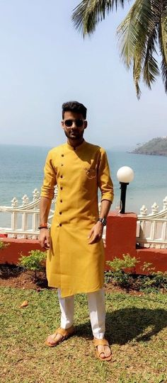 Mens Style Discover Grab The Attention With These Amazing Haldi Ceremony Outfits Haldi Ceremony Outfit Ideas For Men Mens Indian Wear, Mens Ethnic Wear, Indian Groom Wear, Indian Men Fashion, Mens Fashion Suits, Mens Wedding Wear Indian, Men Fashion Dress, Indian Man, Fashion Photo