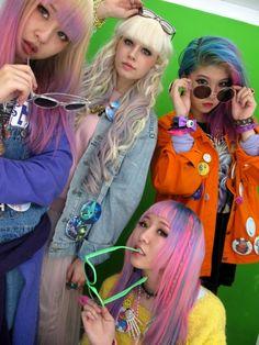 Love these girls http://blooomzy.blogspot.com/