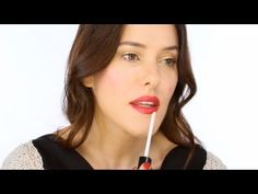 Party Pieces: Lisa Eldridge on the Holiday 2011 Collection - CHANEL - YouTube