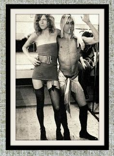 David Bowie and Iggy Pop photograph black and white by Milras Iggy Pop, Art Zen, Historia Do Rock, Musica Salsa, The Stooges, Photocollage, Punk, Ziggy Stardust, Glam Rock
