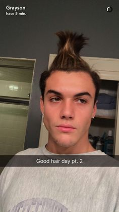 ❤️ his hair looks like a troll from Trolls movie Dollan Twins, Cute Twins, Ethan And Grayson Dolan, Ethan Dolan, Dolan Twins Wallpaper, Identical Twins, Smiles And Laughs, Hair Looks, Gorgeous Men