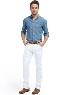 Chambray Shirt + White Jeans - Causal Summer Look White Chinos, White Jeans, Stylish Men, Men Casual, Casual Shirts, Casual Outfits, Best Mens Fashion, Men's Fashion, Mens Trends