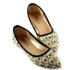 $17.44 Vintage Women's Flat Shoes With Bordered and Canvas Design