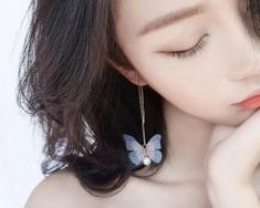 Rozkošné náušnice s farebnými jemnými motýlikmi v zlatej farbe Drop Earrings, Jewelry, Fashion, Colors, Moda, Jewlery, Jewerly, Fashion Styles, Schmuck