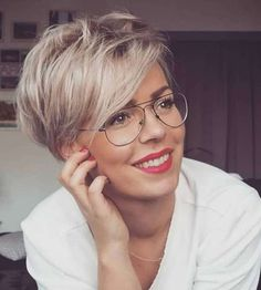 2019 Short Hairstyles - 12 - Another! Haircuts For Fine Hair, Short Hairstyles For Women, Easy Hairstyles, Straight Hairstyles, Fashion Hairstyles, School Hairstyles, Short Straight Hair, Short Hair Cuts, Short Hair Styles For Round Faces