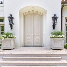 White Exterior Paint, White Exterior Houses, Exterior Paint Colors For House, White Houses, Exterior Colors, House Colors, Exterior Design, Stucco Colors, Best White Paint