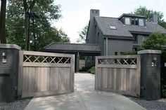 Stunning Modern Mansions – My Life Spot Driveway Landscaping, Driveway Gate, Small Backyard Gardens, Outdoor Gardens, Cobblestone Driveway, Country Home Exteriors, Farm Gate, Dutch House, Belgian Style