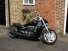 Custom m1800r / m109r Biker Gear, Hot Bikes, Super Bikes, Bobber, Cars And Motorcycles, Harley Davidson, Red And White, Vehicles, Sportbikes
