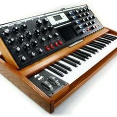 Synthesizer Of The Week: MiniMoog Voyager Performer Edition Recording Equipment, Audio Equipment, Moog Synthesizer, Vintage Synth, Recording Studio Home, Dj Gear, Drum Machine, Sound & Vision, Electronic Music
