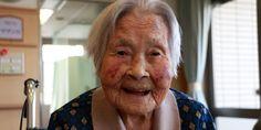 La periodista Junko Takahashi explora las claves de la longevidad de los habitantes de su país. Por Eliana Rentería Lozano Quién no ha soñado con cumplir más de un siglo. Pero llegar bien: practicando deportes y con la energía a tope. Todo un reto. Parece una idea lejana, pero ya está pasando. Que se lo …