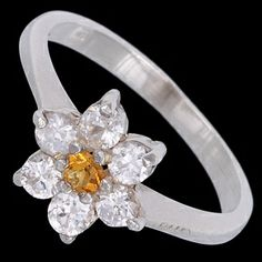 Silver ring, zirconia, floweret Silver ring, Ag 925/1000 - sterling silver. With stone (Cubic zirconia). Floweret. Width at the place of pattern approx. 10mm.