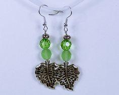 Ohrringe Herbstblätter im Wind mit grünen Perlen von ArtJewelryFun