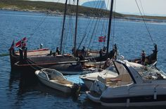 Traditional and modern boats side by side