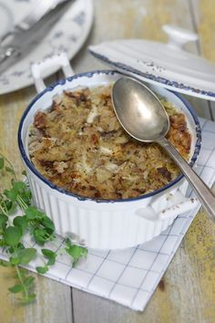 Lohturuokaa parhaimmillaan - Sikke Sumarin pehmeäksi hautunut kaalilaatikko I Love Food, Good Food, Yummy Food, My Favorite Food, Favorite Recipes, Just Eat It, Cooking Recipes, Healthy Recipes, Free Recipes