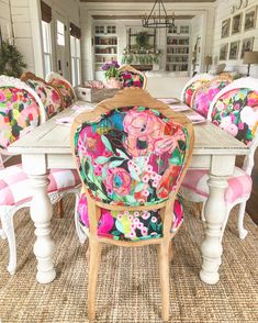 Dining Chair Makeover, Furniture Makeover, Furniture Refinishing, Colorful Chairs, Colorful Decor, Eclectic Chairs, Dining Room Design, Dining Room Chairs, Funky Furniture