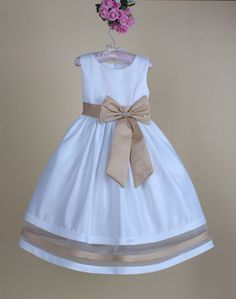 Girls fashion summer sleeveless high waist o-neck a-line bow-knot splice sundress. Girl Outfits, Cute Outfits, Girl Fashion, Party Dress, Flower Girl Dresses, Girly, Glamour, Summer Dresses, Wedding Dresses