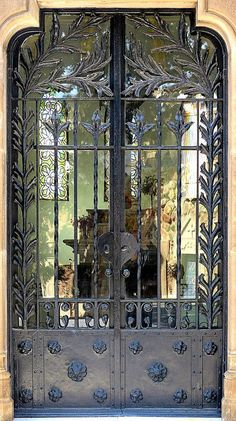 Barcelona - Cementiri de Montjuïc 022 a   Flickr - Photo Sharing!