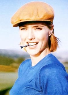 Great shot of Tea Leoni, avid golfer with a mighty 12 handicap