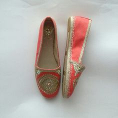 Embroidered grapefruit pink flats espadrilles Canvas upper, man made balance,  gold tone embroidery Vince Camuto Shoes Flats & Loafers