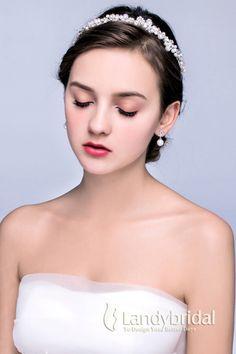 カチューシャ イアリングのセット 髪飾り ホワイト パール ウェディング小物 結婚式 花嫁 JJ0015002 Hair Arrange, Wedding Earrings, Bridal Looks, Wedding Styles, Wedding Hairstyles, Our Wedding, Bride, Beauty, Dresses