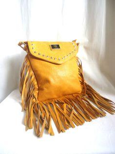 e81cbb703e99 LYDC LONDON FAUX LEATHER TAN HANDBAG BAG MESSENGER CROSS BODY WITH FUNKY  FRINGE Tan Handbags