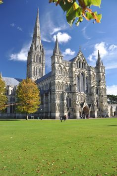 Salisbury Cathedral is considered one of the leading examples of Early English architecture. The main body was completed in only 38 years, from 1220 to 1258. Legend has it that the Bishop of Old Sarum shot an arrow in the direction he would build the cathedral; the arrow hit a deer and the deer finally died in the place where Salisbury Cathedral is now.Salisbury is one of only three English cathedrals to lack a ring of bells, the others being Norwich Cathedral and Ely.