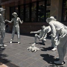 Mime time  _____________________________ FOLLOW @travel__creative Tag #travelcreative  _____________________________ #brisbane #australia #sculpture #art #photography #photooftheday #travel #travelblog #adventure #wanderlust #theatre #movie #mime #streetart