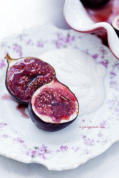 Figi pieczone z miodem i cynamonema....aka... Baked Figs With Brandy, Honey and Cinnamon!