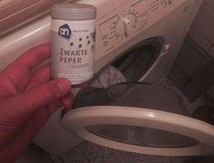 Ze strooit vaak zwarte peper in haar wasmachine om DEZE reden!
