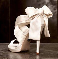 Zapato de novia Vera Wang. #Bodas #Wedding #Shoes
