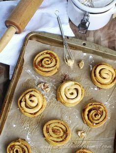 Pumpkin Butter Cinnamon Rolls by @southbeachprimal