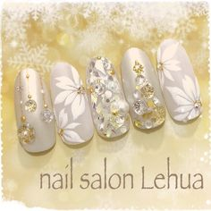 Nail art Christmas - the festive spirit on the nails. Over 70 creative ideas and tutorials - My Nails Girls Nail Designs, Creative Nail Designs, Cute Nail Designs, Creative Nails, Xmas Nails, Holiday Nails, Cute Nail Art, Cute Nails, Fingernails Painted
